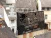 Die Schäden am Dach sind deutlich.